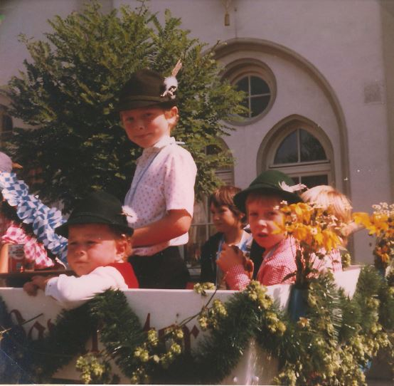Volksfesteinzug mit der Radlgunge 1982 ca.